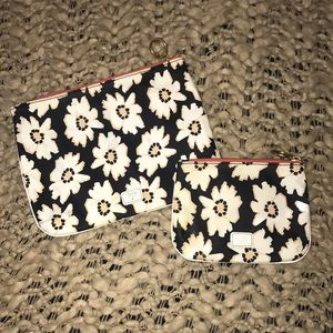 Fossil Travel Cosmetic Case Set Daisy Blue White